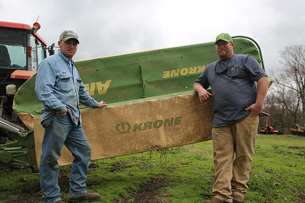 Warren and Alan Flake run a new Krone ActiveMow® on their cattle and hay operation in Philadelphia, Mississippi.
